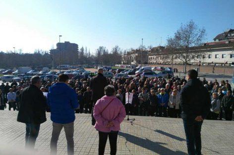 Más de 200 jubilados se manifiestan en Canovelles en protesta por la subida de las pensiones
