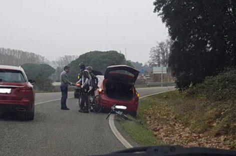 Un camión provoca un accidente con dos heridos en Vallgorguina y se da a la fuga