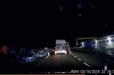 El accidente de un camión cargado de botellas de vidrio colapsa la C-17 en Tagamanent durante 5 horas