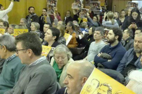 Escrache en el pleno de Granollers contra el diputado y regidor del PSC Jordi Terrades