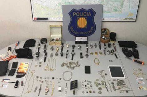 Los Mossos desactiva a una banda criminal que robó en domicilios de Montornès y La Garriga