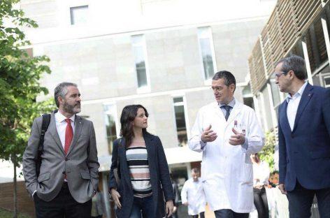 Inés Arrimadas de Ciudadanos visita el Hospital de Granollers para conocer sus problemas