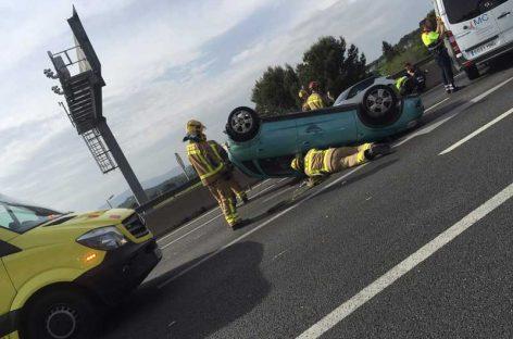 Dos heridos en un accidente entre un turismo y un camión en la C-17, en Lliçà de Vall