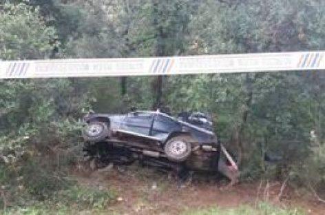 Dos muertos en Vallgorguina al salirse un todoterreno de la carretera