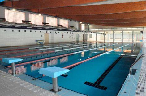 Una vecina de Montornès de 86 años fallece en la piscina cubierta municipal