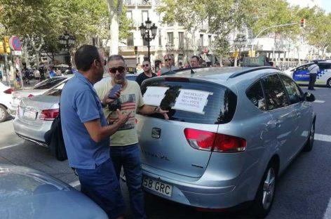 Taxistas de Mollet y Parets dan su apoyo a la huelga del taxi en Barcelona
