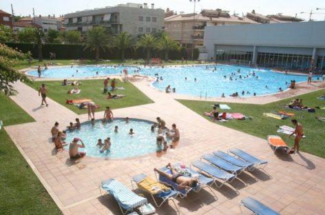 Denuncian robos a los usuarios de las piscinas municipales de Mollet