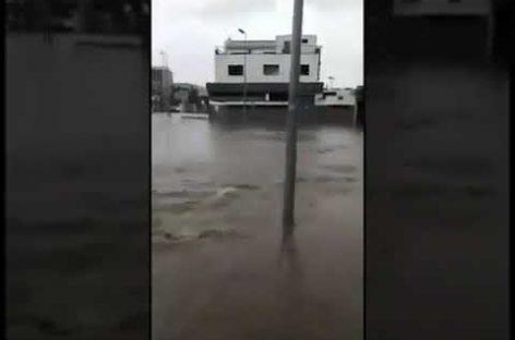 Video: La rotonda de Lluís Companys, en Granollers, convertida en un río este viernes