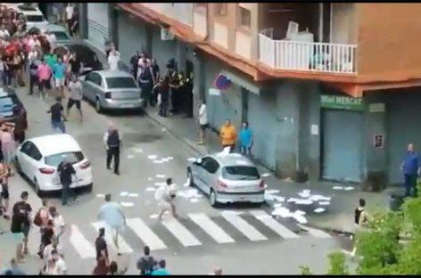 Los tres detenidos por los disturbios de la Llagosta acusados de atentado a la autoridad, desórdenes y daños