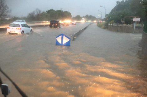 Las fuertes lluvias en la Garriga obligan a cortar un carril de la C-17