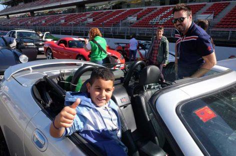 60 niños con cáncer se convierten en copilotos en el Circuit de Montmeló