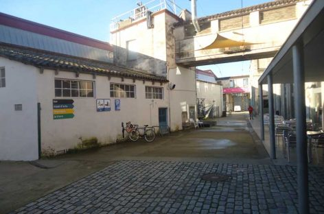 S'inicien les obres als carrers interiors de Roca Umbert