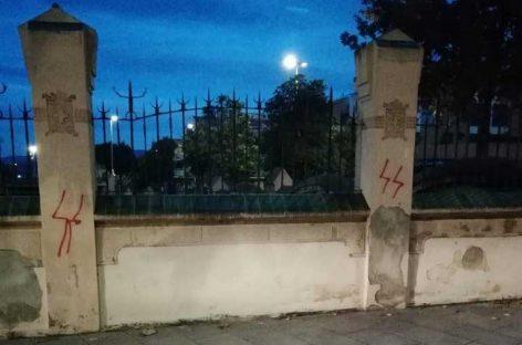 Identificados nueve jóvenes por las pintadas contra el Ayuntamiento de Les Franqueses