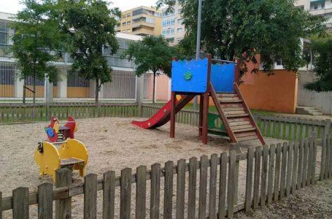 El PP de Granollers denuncia que algunos parques públicos pueden ser peligrosos para los niños por falta de mantenimiento