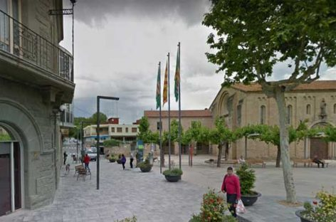 Parets aprueba volver a colocar la bandera española en el ayuntamiento después de 40 años de ausencia