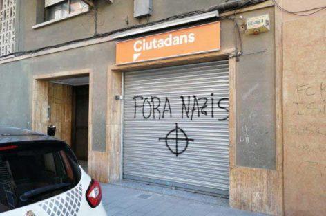 Pintadas contra la sede de Ciutadans de Montcada