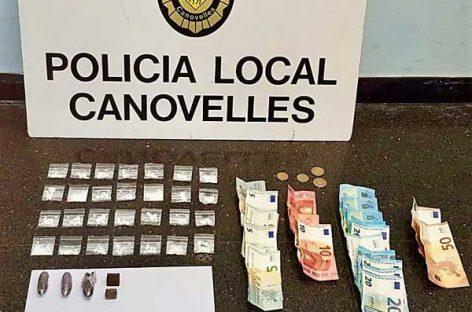 Dos policías de Canovelles contusionados tras detener a un vecino de Granollers con diversas drogas