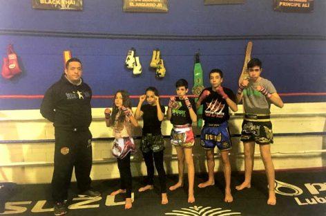 Dos hermanos de Canovelles representan a España en el mundial de boxeo tailandés
