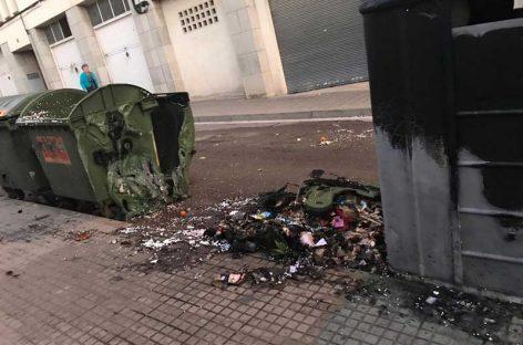 La policía detiene en Sant Celoni a un hombre por una docena de incendios en contenedores