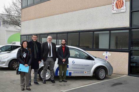 La UEAC cede un coche al Hospital de Granollers para prestar asistencia a domicilio