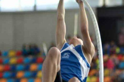 Un joven de 15 años de Bigues i Riells, campeón de España de salto con pértiga