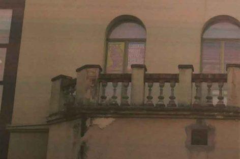 Un vecino de La Roca pide la retirada de carteles de Junqueras del Ayuntamiento