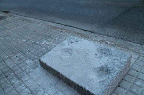 Dañan gravemente el monumento de recuerdo a las víctimas del bombardeo de Les Franqueses